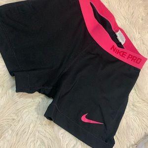 Nike pros 💗